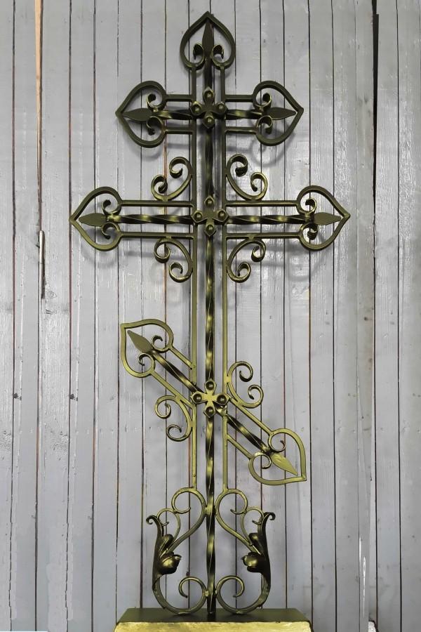 резной крест кованый
